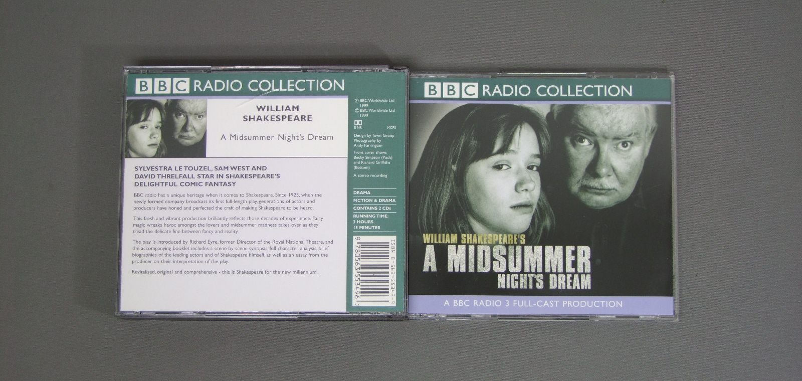 a comparison of midsummer nights dream and romeo and juliet Comparing a midsummer night's dream and romeo and juliet essay 1176 words | 5 pages from the rest as sharing a great deal in common specific, solid parallels can be drawn between shakespeare's plays a midsummer night's dream and romeo and juliet.