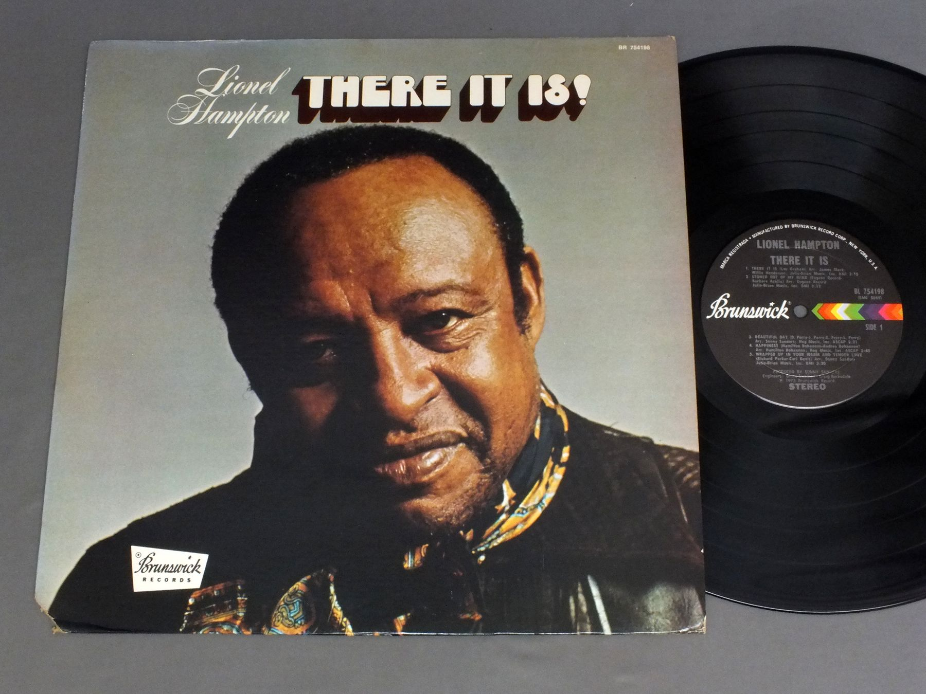 LIONEL HAMPTON - THERE IT IS ! - 33T